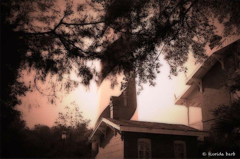 hauntedlighthouse800fb